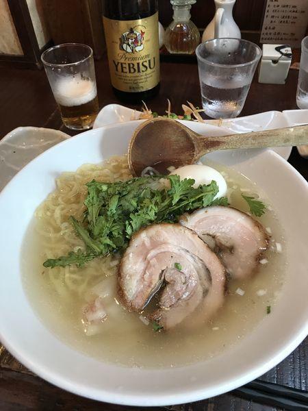 「本丸塩らーめん 塩煮卵トッピング」@横濱元町 塩らー麺 本丸亭 元町店の写真