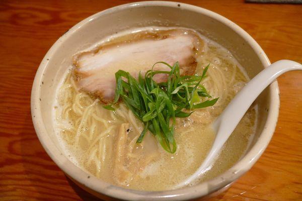 「軍鶏白湯 ・らーめん¥800」@麺屋 臥龍の写真