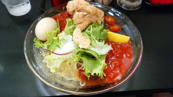 「冷やしトマト麺+味玉」@自家製麺SHINの写真