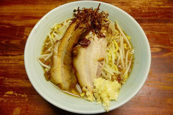 「醤油らーめん 小¥750/ニンニク¥0/スープ:ふつう¥0」@豪徳寺ラーメン りらくしんの写真