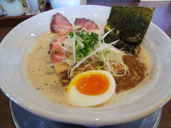 「基本の濃熟らーめん650円」@麺作 赤シャモジ 本店の写真
