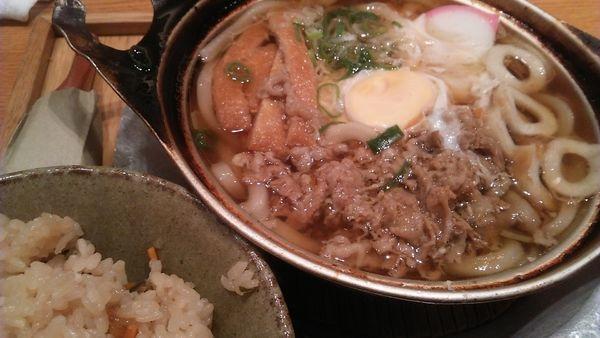 「松山名物鍋焼きうどん 850円」@山半 ヨドバシAkiba店の写真