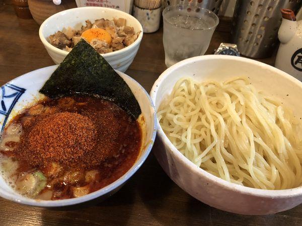 「辛辛魚つけ麺 中盛 辛め 豚ごはん 醤油」@麺処 井の庄の写真