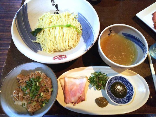 「【数量限定】薬涼潮つけそば+〆の鴨しぐれ煮冷や飯 1000円」@麺や 虎徹の写真