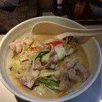 「塩タンメン」@湯麺 大八の写真