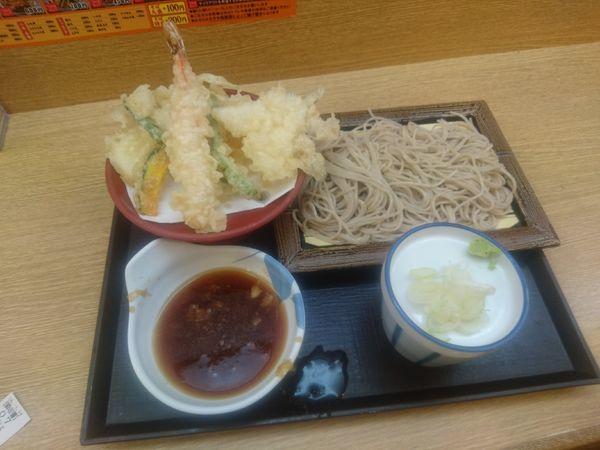 「天ぷらそば 650円」@いわもとQ 歌舞伎町店の写真