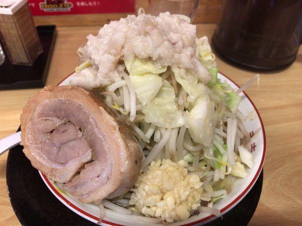 「ラーメン(ヤサイチョイマシニンニクアブラ)750円」@ラーメンBOOスターの写真