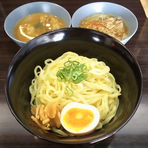 「牛モツカレー&あごだし塩つけ麺」@Dining Aminaの写真