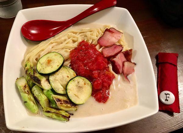 「冷ビシソワーズ麺」@焼麺 劔の写真