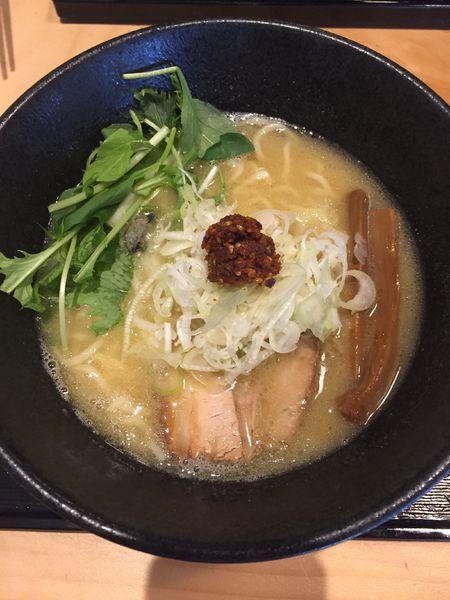 「らぁめん〜白醤油〜」@麺屋 いし川の写真