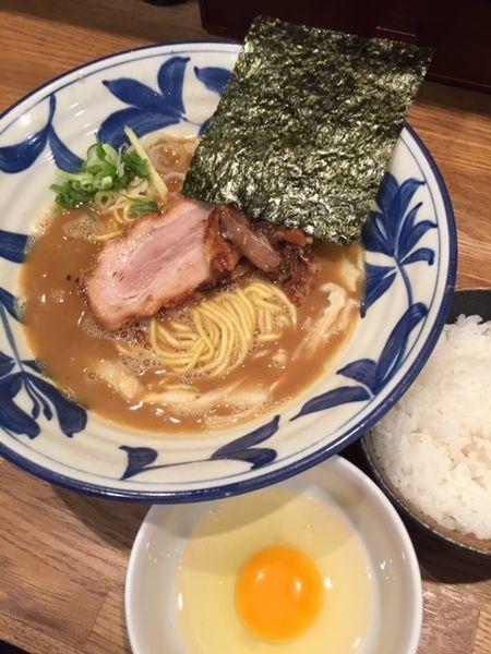 「らーめん 780円 ごはん&生たまごサービス」@麺屋ぬかじの写真
