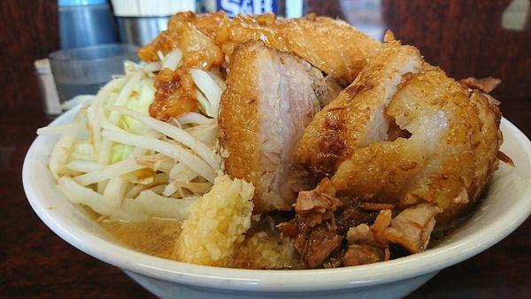 「小ぶたラーメン麺カタスクナメヤサイマシニンニクアブラスコシ」@ラーメン二郎 めじろ台店の写真
