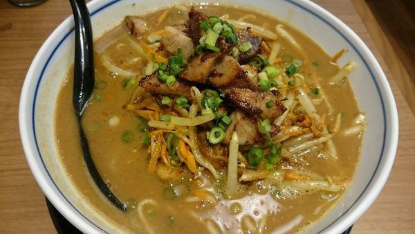 「鶏白湯スパイシーカレー麺(950円)+コロチャー(150円)」@麺場 鶏源 TORIGEN 蒲田店の写真
