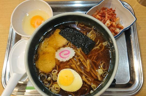 「小中華麺+生卵+キムチ(940円)」@大宮大勝軒の写真