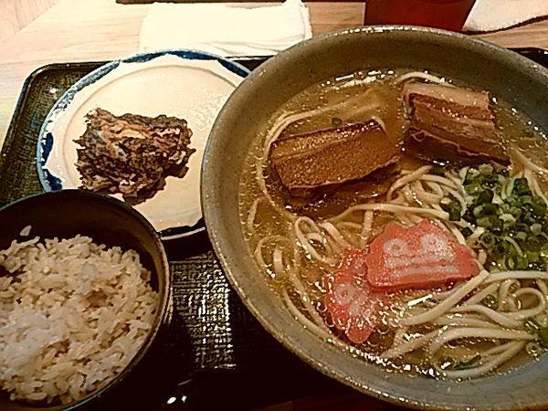 「沖縄そばともずく天ぷら定食850円」@琉球バル ガチマヤの写真