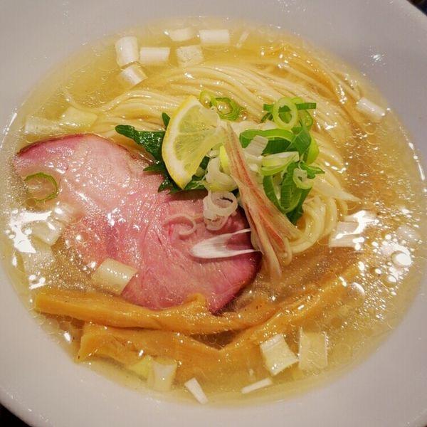 「【限定】冷やし黒さつま鶏 塩そば 750円」@特級鶏蕎麦 龍介の写真