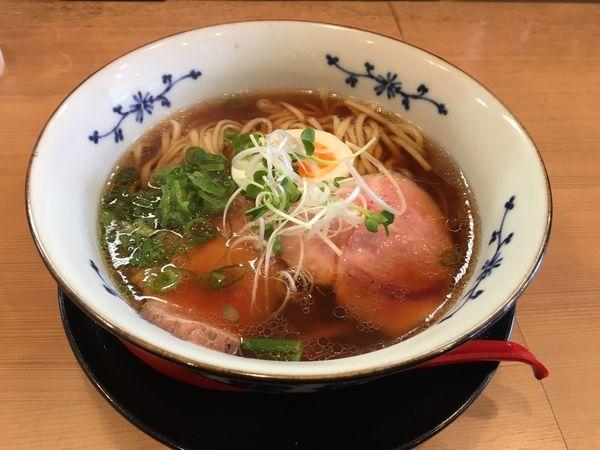 「煮干しらーめん醤油780」@麺屋 粉哲の写真