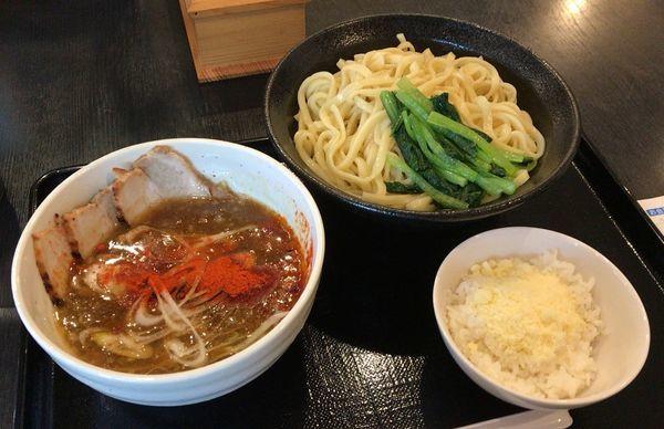 「カレーつけ麺(限定)+粉チーズ追い飯(800円+80円)」@中華そば 松葉の写真