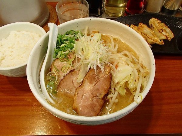 「塩ラーメン+チャーシュー(大盛)」@麺や 鐙 大和店の写真