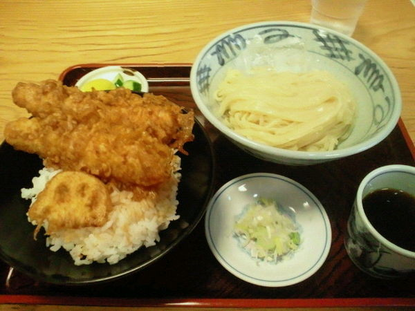 「Aランチ(イカ天丼とざるラーメン)700円」@マルイチ 神田軒の写真
