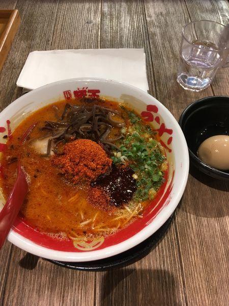 「赤王+味玉」@豚王 尖沙咀店の写真