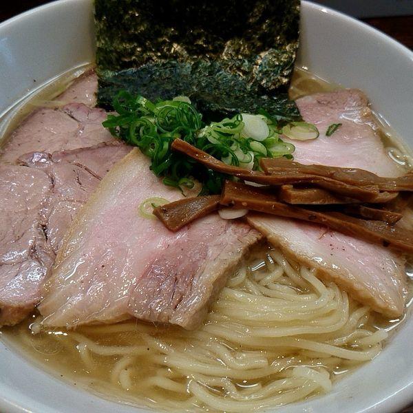 「チャーシュー白醤油麺(大盛無料)+半ライス(900円+100」@自家製麺 コトホギの写真