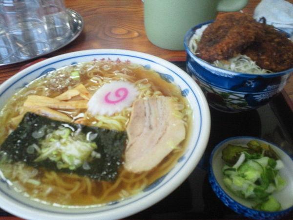 「ラーメン 470円、ミニソースかつ丼 320円」@まるた食堂の写真