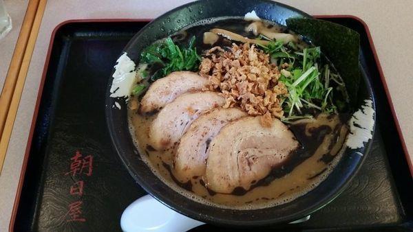「黒こってりチャーシューメン 太麺」@朝日屋の写真