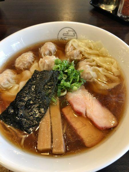 「肉ワンタン麺(黒だし)¥1000」@八雲の写真