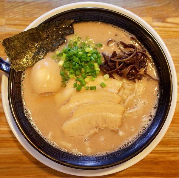 「博多ラーメン…730円 手もみ麺コール」@二代目 白神の写真
