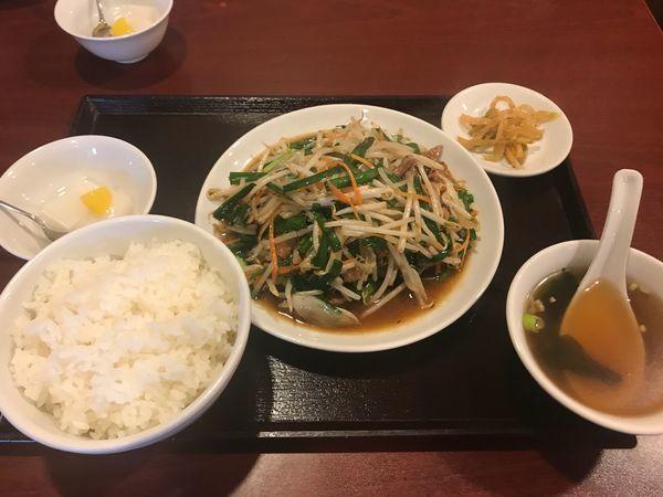 「ニラレバ炒め 680円」@品珍酒家の写真