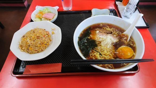 「醤油ラーメン+半チャーハンセット¥880.-」@吉華園の写真