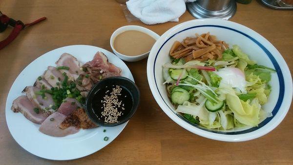 「真夏の地鶏刺し冷中 D」@MENYA 食い味の道有楽の写真