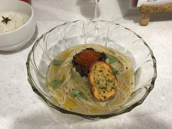 「【限定】アサリ出汁の冷製塩ラーメン 魚介のタルタルのせ」@ラーメン星印の写真