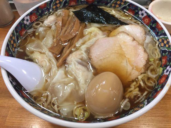 「ワンタン麺(大盛+味玉)」@春木屋 荻窪本店の写真