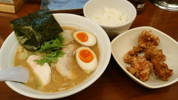 「味玉鶏白湯濃厚ランチセット」@らーめん大鳳の写真