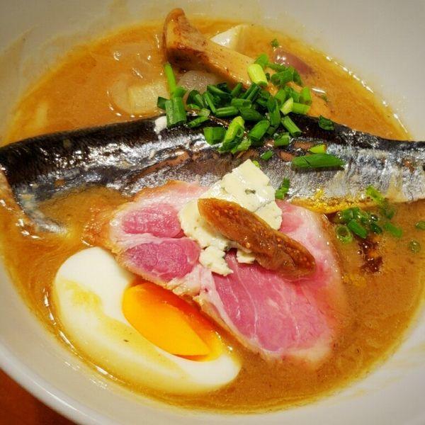 「【限定】秋刀魚の濃厚と秋刀魚のコンフィにカボスジュレ 千円」@麺者屋ちくわの写真