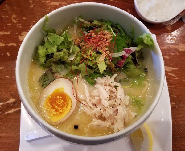「鶏白湯麺塩そば」@鶏白湯麺 蔭山 高田馬場店の写真