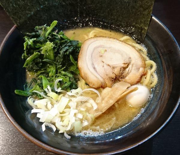 「醤油豚骨+ほうれん草(850円)」@横浜家系ラーメン 福壱家の写真