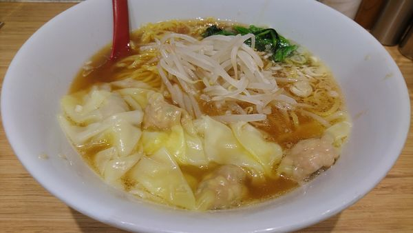「肉野菜ワンタン麺」@雲呑好 ecute立川店の写真