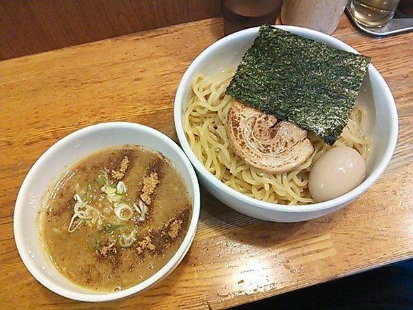 「味玉濃厚ニボつけ麺(大盛り1.5玉)+チャーシュー1枚」@煮干しそば 虎愼の写真