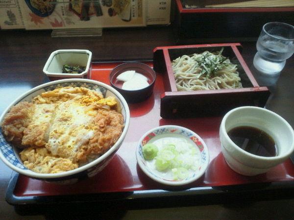 「かつ丼ミニ蕎麦セット 900円」@そば処 丸松の写真