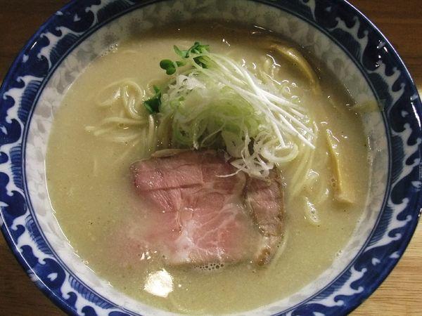 「塩鶏白湯魚介そば(840円)」@麺屋 白鷺 -shirasagi-の写真
