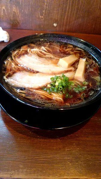 「熟成醤油ラーメン(750円)+大盛(120円)」@古式ラーメン 鶴亀の写真