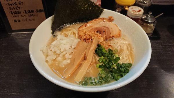 「鶏白湯そば」@煮干しそば 虎愼 八幡山店の写真