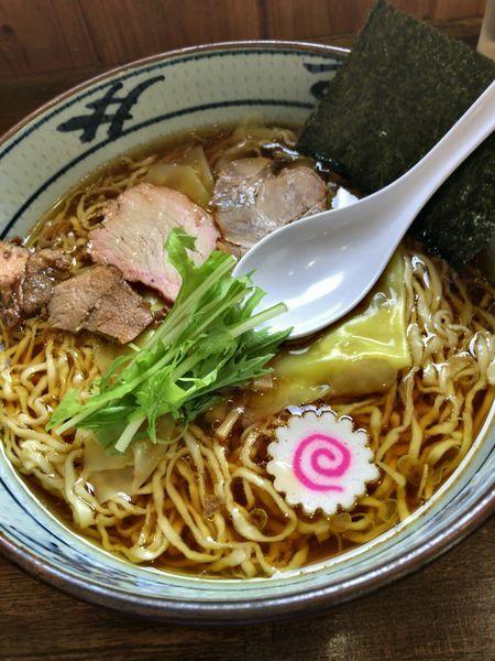 「手打ちワンタン麺 醤油味 ¥800」@手打ち中華そば 凌駕の写真