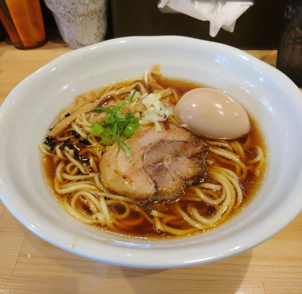 「味玉淡麗醤油山賊麺 大盛」@上州山賊麺 大大坊の写真