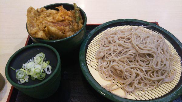 「(月木限定)得セット ミニ豚ロース天丼セット」@ゆで太郎 淡路町店の写真