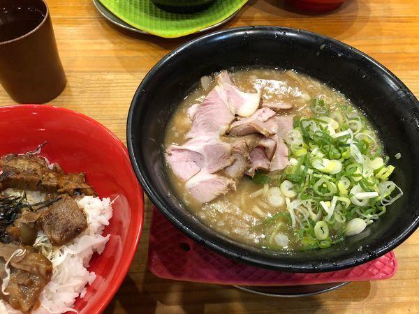 「霧島+ミニなんこつ丼」@まりお流らーめんの写真