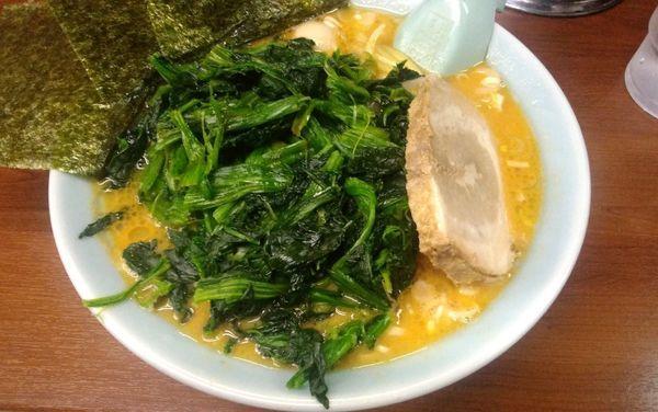 「ラーメン・味噌+ほうれん草」@ラーメン三國家の写真
